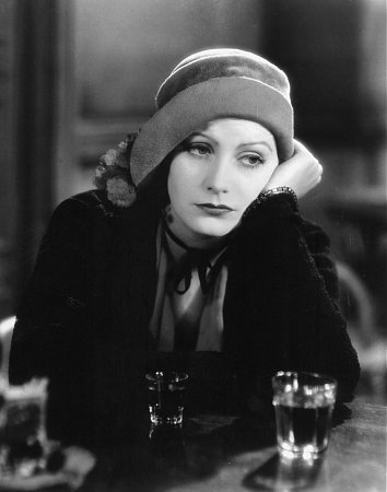 Greta Garbo in Anna Christie (1930).