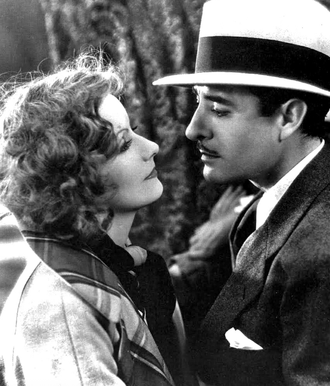 Garbo and Gilbert in A Woman of Affairs